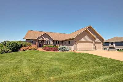 Iowa County Single Family Home For Sale: 500 Prairie Hills Dr