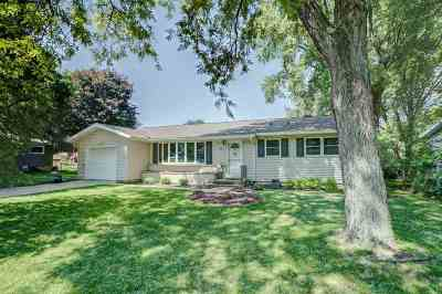 Deforest Single Family Home For Sale: 408 Anderson St