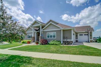 Waunakee Single Family Home For Sale: 1409 Emerald Ct