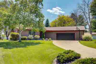 Waunakee Single Family Home For Sale: 5580 Shannon Way