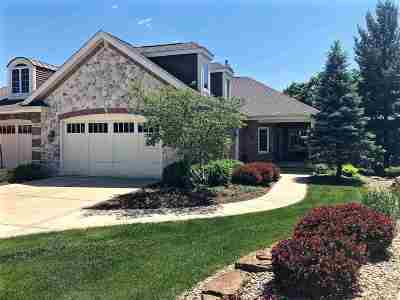 Waunakee Single Family Home For Sale: 1714 Brookside Ln