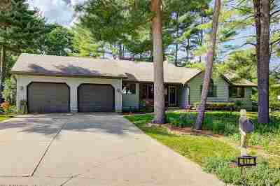 Prairie Du Sac Single Family Home For Sale: 817 Red Pine Ct