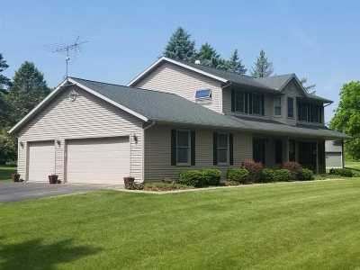 Janesville Single Family Home For Sale: 5723 N Ridge View Dr