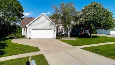 Waunakee Single Family Home For Sale: 1802 Dover Dr