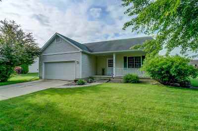 Cottage Grove Single Family Home For Sale: 212 Vintage Ln