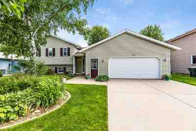 Sun Prairie Single Family Home For Sale: 1627 Sapphire Way