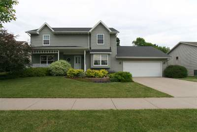 Janesville Single Family Home For Sale: 3254 Autumn Ln