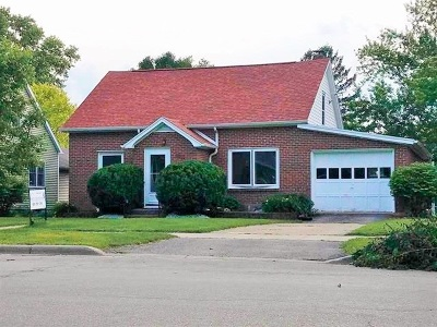 Mount Horeb Single Family Home For Sale: 306 S 2nd St