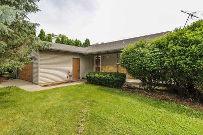 Lodi Single Family Home For Sale: 613 Meadowview Ln