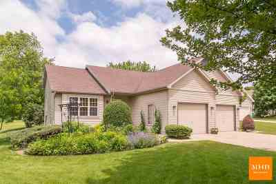 Verona Single Family Home For Sale: 922 Harper Dr
