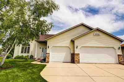 Waunakee Single Family Home For Sale: 906 Turnberry Dr