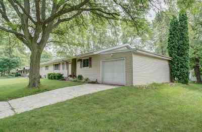 Sun Prairie Single Family Home For Sale: 1213 Chicory Way