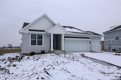 Sun Prairie Single Family Home For Sale: 1218 Patriot Way