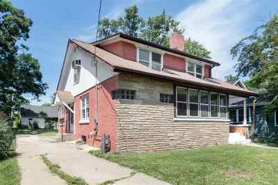 Madison Single Family Home For Sale: 610 Pine St
