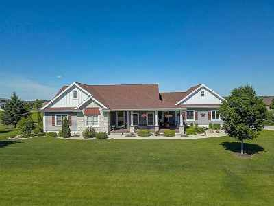 Sun Prairie Single Family Home For Sale: 3097 Saddle Brooke Tr