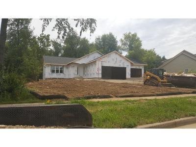 Deerfield Single Family Home For Sale: 526 Simonson St