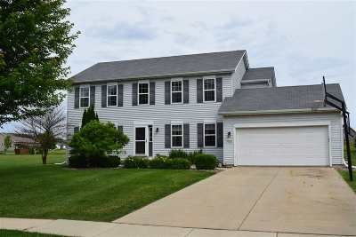 Dane County Single Family Home For Sale: 900 Sunnyview Ln