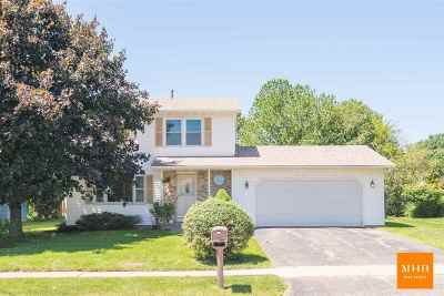 Stoughton Single Family Home For Sale: 1810 N Page St