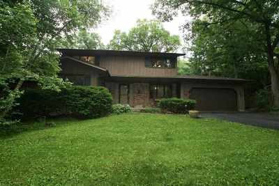 Fitchburg Single Family Home For Sale: 5475 Jan Dr