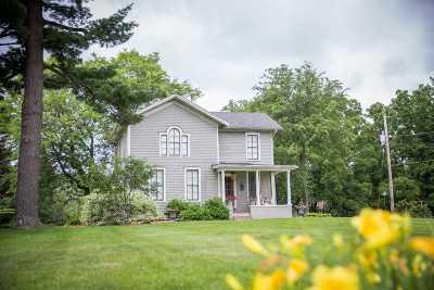 Janesville Single Family Home For Sale: 1713 N Parker Dr