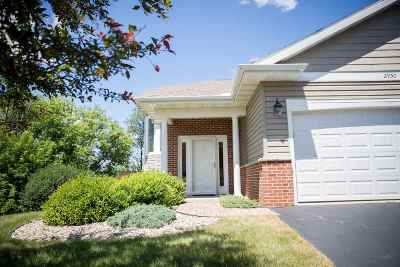 Janesville Condo/Townhouse For Sale: 2950 Timber Ln