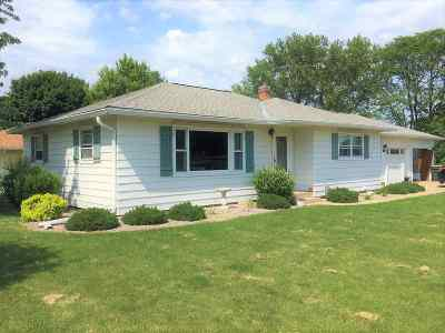 Sun Prairie Single Family Home For Sale: 202 E Goodland St