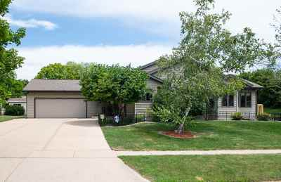 Waunakee Single Family Home For Sale: 813 N Division St