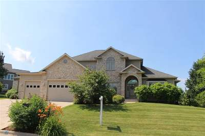Sun Prairie Single Family Home For Sale: 1919 Corinth Dr