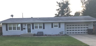 Janesville Single Family Home For Sale: 1311 N Sumac Dr