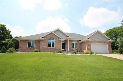 Middleton Single Family Home For Sale: 6708 Clovernook Rd