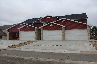 Sun Prairie Condo/Townhouse For Sale: 2927 Kentville Dr