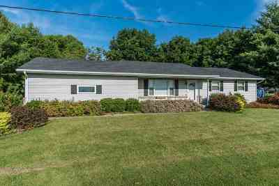 Baraboo WI Single Family Home For Sale: $179,000