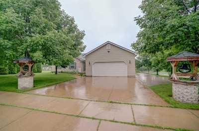 Waterloo Single Family Home For Sale: 990 Bluegrass Tr