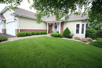 Janesville Condo/Townhouse For Sale: 2928 Timber Ln