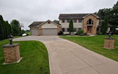 Sun Prairie Single Family Home For Sale: 1741 Greenway Rd