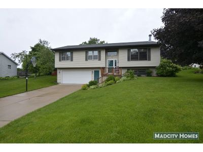 Mount Horeb WI Single Family Home For Sale: $289,900