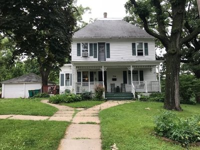 Mount Horeb WI Single Family Home For Sale: $250,000