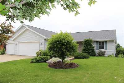 Janesville Single Family Home For Sale: 2474 Stonefield Ln