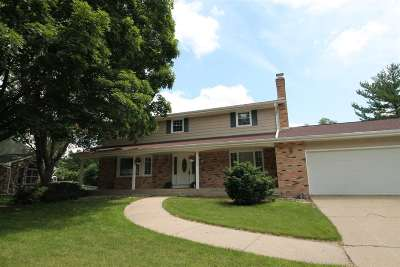 Janesville Single Family Home For Sale: 1208 Somerset Ct