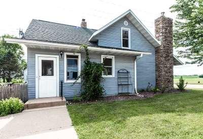 Prairie Du Sac Single Family Home For Sale: 130 Lueders Rd