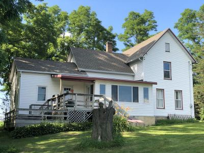 Green County Single Family Home For Sale: N307 Haddinger Rd