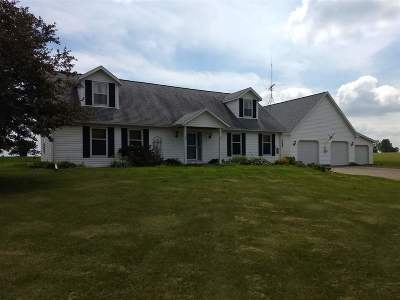 Dodge County Single Family Home For Sale: W10795 Mikard Rd