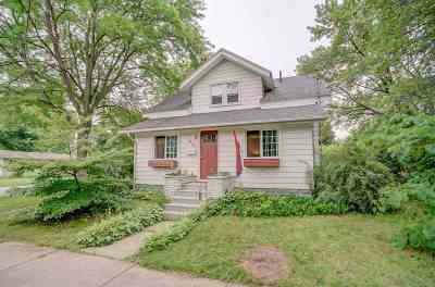 Sauk City Single Family Home For Sale: 1023 Madison St
