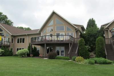 Dodge County Condo/Townhouse For Sale: N7104 Airport Rd #5