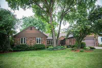 Janesville Single Family Home For Sale: 4021 Wilshire Ln