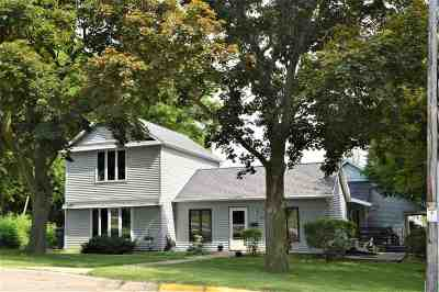 Walworth County Single Family Home For Sale: 558 E Clay St