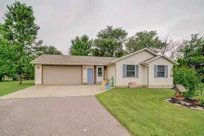 Prairie Du Sac Single Family Home For Sale: E11077 Maple Park Dr