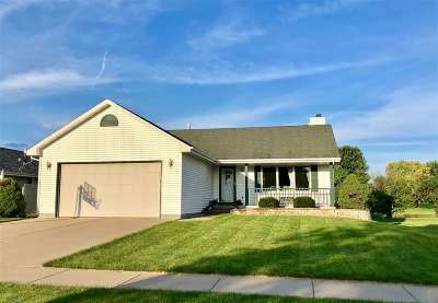 Janesville Single Family Home For Sale: 2812 Autumn Ln