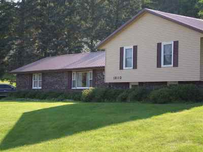 Sauk County Single Family Home For Sale: 1810 Crestwood Dr