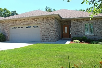 Sauk County Single Family Home For Sale: 1310 Springbrook Dr